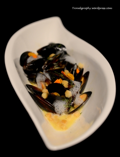 Parisian Mussel with Fresh Herb Crumbles